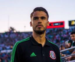 Diego Reyes regresa a México y se echó unos suculentos taquitos