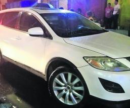 Joven fue ejecutado dentro de un Mazda
