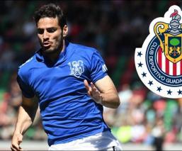 Antonio Briseño llega a Chivas