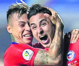 Chile arrasa 4-0 Japón Futbol