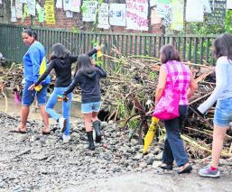 Lluvias destrozan pavimento Cuernavaca