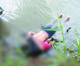 Pesadilla americana Muerte en Río Bravo Migrante e hija