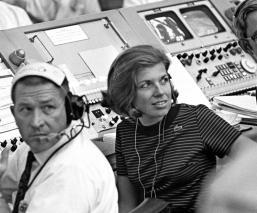 unica mujer despegue mision espacial hombre luna
