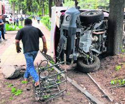 volcadura jardinera trailer camión sin heridos mujer con crisis nerviosa toluca