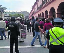 vendedores ambulantes contra verificadores inspectores conflicto disturbios caos Toluca