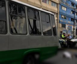 Abuelita en bastón muere tras ser atropellada por microbús en alcaldía Cuauhtémoc