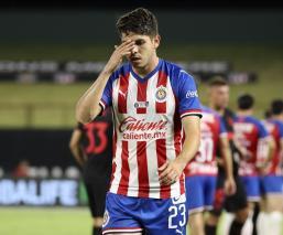 Chivas sigue sin detener su hemorragia de derrotas