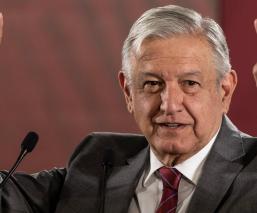 AMLO abre posibilidad de adquirir Mexicana de Aviación analizarán costo-beneficio