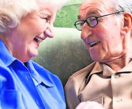 abuelos arrestados en eu tener intimidad