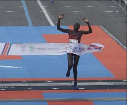 El Maratón de la CDMX impone nueva marca en la rama femenil