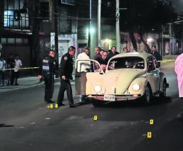 balean a familia en vocho de iztapalapa hieren a hija y asesinan al papá