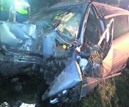 accidente en auto deja dos muertos en edomex