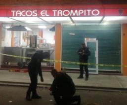 Asesinan a balazos a comensal al interior de una taquería en Azcapotzalco