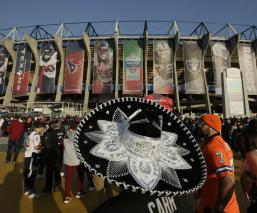 Abren las puertas del Estadio Azteca para celebrar el Monday Night Football