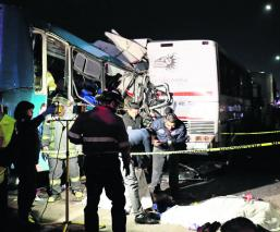 Accidente en la México-Pachuca deja saldo de 13 muertos; chofer iba con el celular