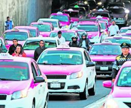 Taxistas advierten paro nacional transporte privado