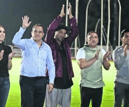 Así se vive la emoción de la fanaticada tras la llegada de Ronaldinho a Morelos