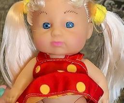 Lanzan muñeca transexual y desata la polémica en el mundo entero