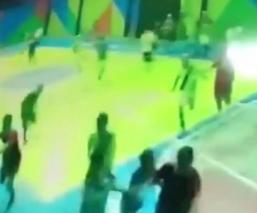 Divulgan video de pistoleros que entraron a un deportivo escolar y dispararon contra chavitos