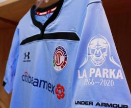 "Toluca rinde homenaje a ""La Parka"""