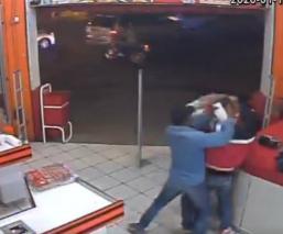 Revelan video del asesinato de un policía que intento frustar un atraco, en Morelos