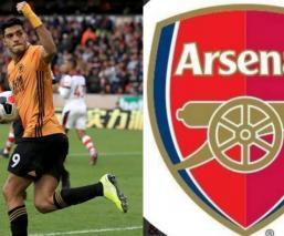 Raúl Jiménez podría jugar con el Arsenal si Aubameyang se va al Barcelona
