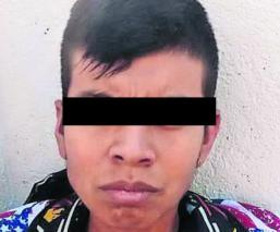 Habitantes de Morelos detienen a hombre acusado de robar motocicletas; graban su confesión