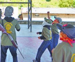 policía comunitaria guerrero recluta niños