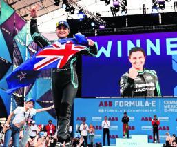 Mitch Evans se lleva el E-Prix y mantiene el liderato del Mundial de Pilotos