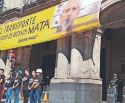 Activista de Greenpeace México se manifiestan en Edomex para mejorar el transporte público