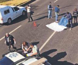 Mujer fallece tras ser atropellada por automovilista en la Calzada Al Pacífico del Edomex