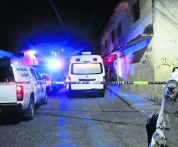 Encuentran cadáver embolsado de una mujer a la orilla de la autopista Cuautla-La Pera