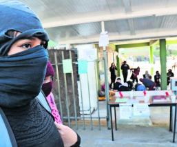 Por acoso y violencia de género, alumnas de la UAEMex siguen en paro indefinido