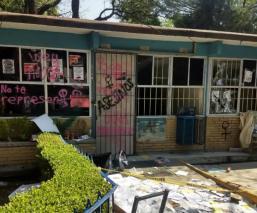Encapuchados toman y vandalizan las instalaciones del CCH Azcapotzalco