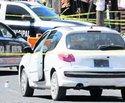Asaltante encara a policías y termina muerto en el Estado de México