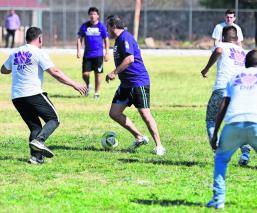 Cuauhtémoc Blanco presenta programa deportivo y laboral para jovenes internos, en Morelos