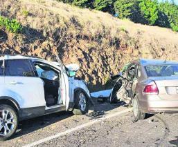 Accidente automovilístico deja saldo de cinco heridos en carretera del Edomex