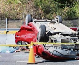 Mujer muere al chocar su automóvil en la autopista México-Cuernavaca