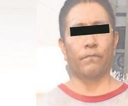 Capturan acosador alcoholizado y lo amarran a un poste en Morelos