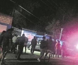 Comando irrumpe en Normal de Morelos y roba celulares