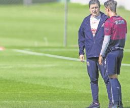 Luis Fernando Tena supera números de Matías Almeyda en Chivas