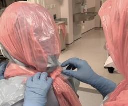 Ante el aumento de casos de Covid-19, médicos ingleses deben utilizar bolsas de plástico