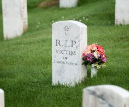 Rituales para despedir a un familiar si muere por Covid-19