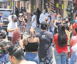 Comerciantes en Cuernavaca demandan a las autoridades reabrir sus negocios el 1 de junio