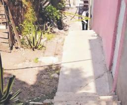 Tras escuchar varios balazos, vecinos de Tlalnepantla hallan a un joven muerto