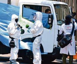Asaltantes 'se enteran' que mujer llevaba nómina y la matan de un balazo, en Circuito Interior CDMX