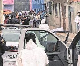 Hallan restos humanos en una alcantarilla en Los Reyes Acaquilpan, en el Estado de México