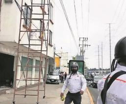 Un pintor resultó severamente herido luego de recibir descarga eléctrica en el Edomex