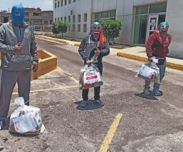 Gobierno de Nezahualcóyotl regala despensas a luchadores, tras pandemia del Covid-19
