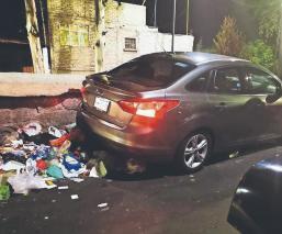 Sicarios terminan con la vida de un exconvicto cuando conducía su auto, en la GAM